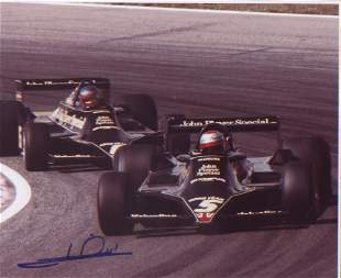 Mario Andretti signed 10 x 8 inch photo during F1 race.