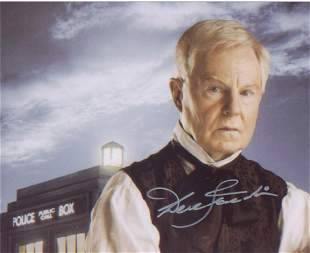Dr Who Sir Derek Jacobi signed 10 x 8 inch photo in