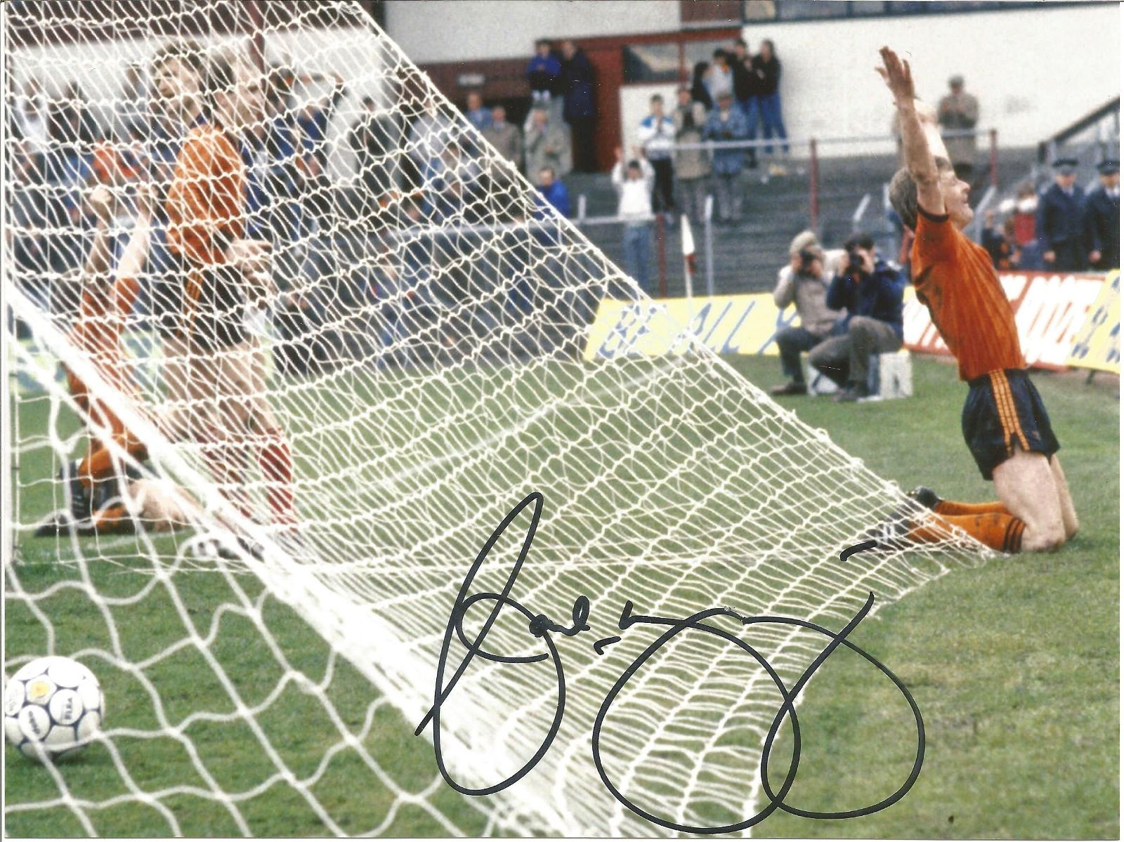 Football Autographed Dundee United 8 X 6 Photos Col,