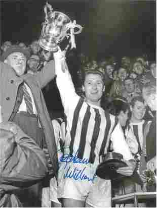 Football Autographed West Bromwich 8 X 6 Photos Col &