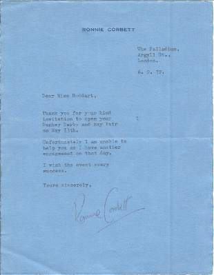 Ronnie Corbett TLS dated 6/2/72 replying to invitation