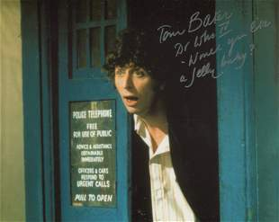 Doctor Who 8x10 photo signed by actor Tom Baker who has