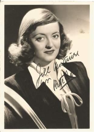 Bette Davis signed 7 x 5 inch b/w vintage photo to