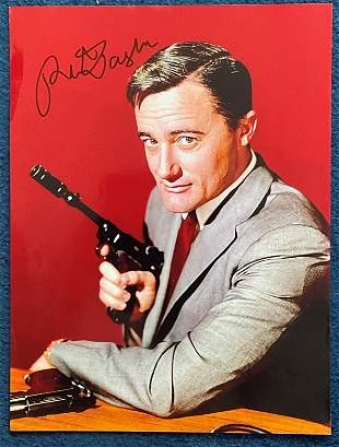 Man From Uncle Robert Vaughn signed 16 x 20 inch colour