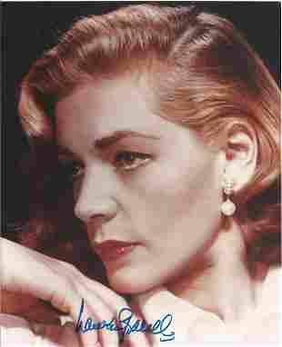 Lauren Bacall signed stunning 10 x 8 inch colour photo.