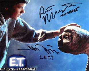 E.T The Extra Terrestrial movie 8x10 photo signed by