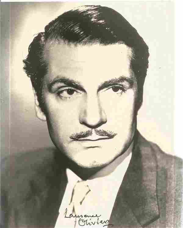 Laurence Olivier signed 10x8 black and white photo.