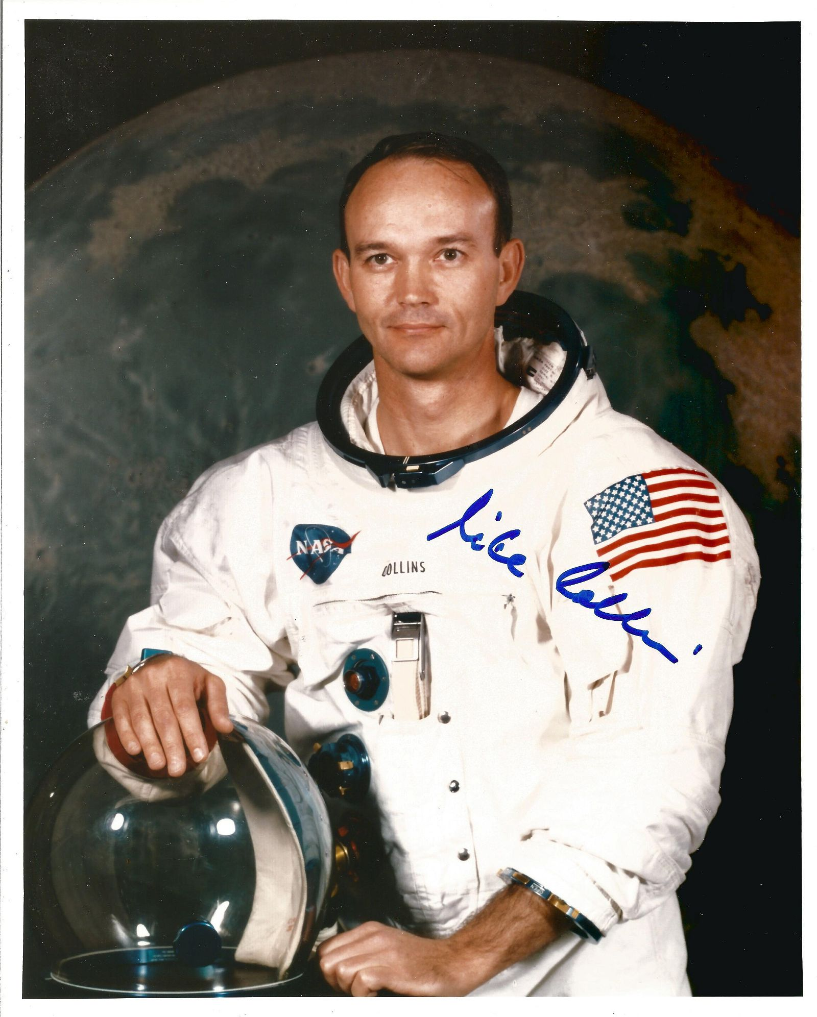 Apollo 11 Astronaut Michael Collins signed rare 10 x 8