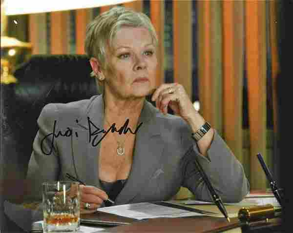 Judi Dench signed 10x8 colour photograph pictured from
