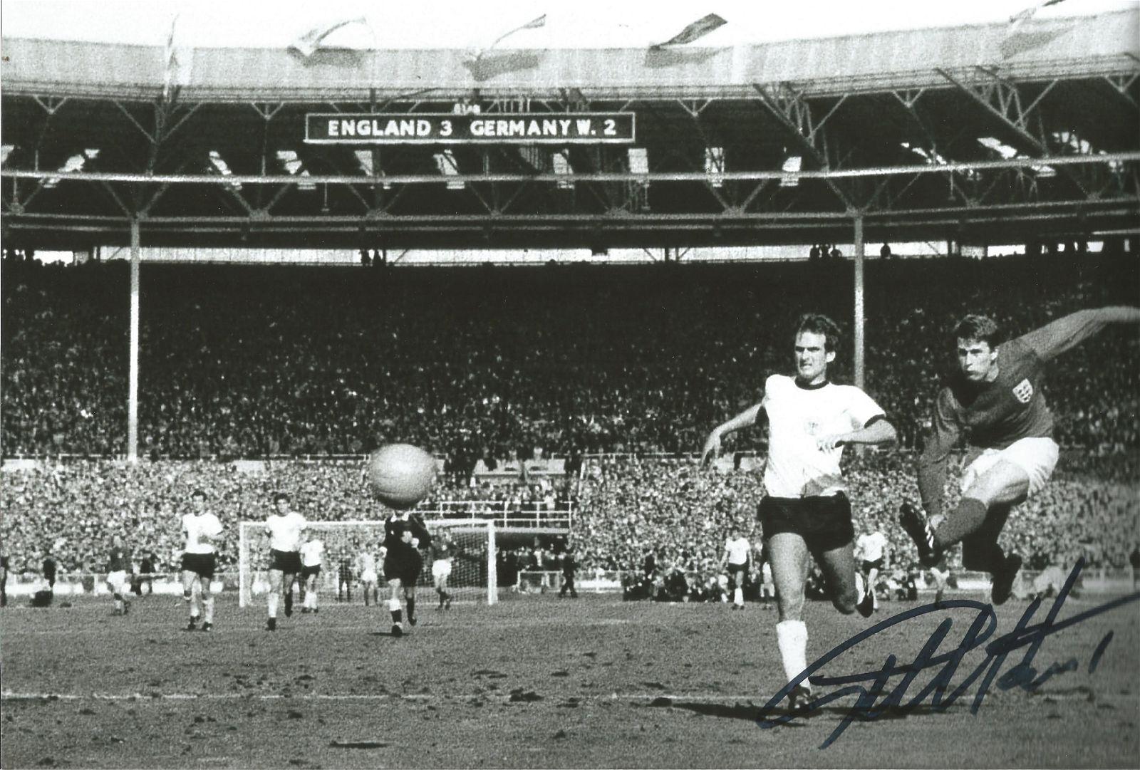 Geoff Hurst signed 10 x 8 inch b/w football photo 1966