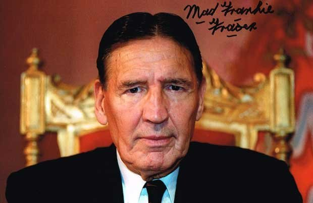 Mad Frankie Fraser London Gangster12 X 8 signed photo.