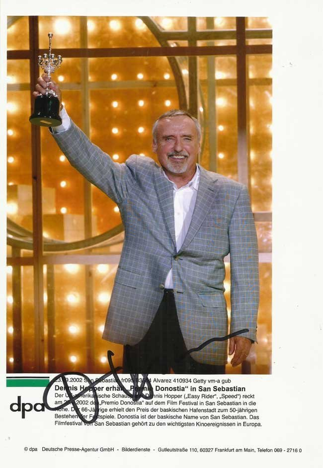 Dennis Hopper signed 10 x 8 colour photo with award for