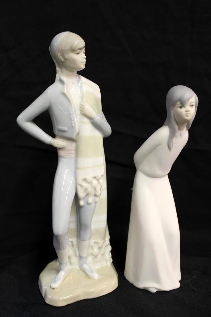 20: Vintage pair of Miquel Requena Spain Figurines