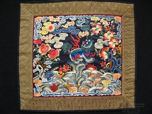 6: An Antique Chinese Silk Badge