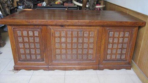 84: An Old Large Huanghuali Floor Cabinet