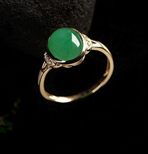 A 18K Diamand Jadeite Ring