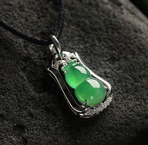 18K Diamond Natural Jadeite