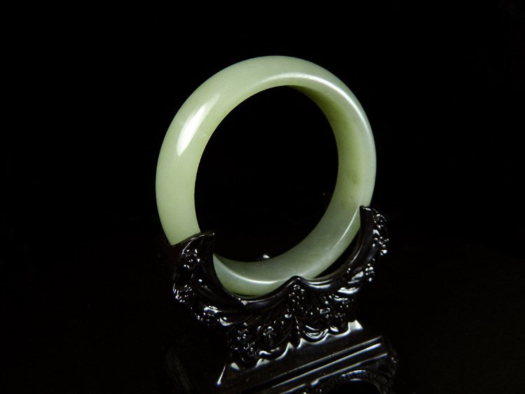Old Whitish Celadon Jade Bangle