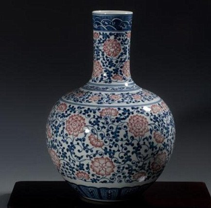 Fine Large Chinese Tianqiuping Vase