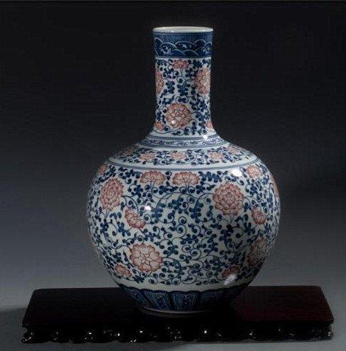 Fine Large Chinese Tianqiuping Vase - 2