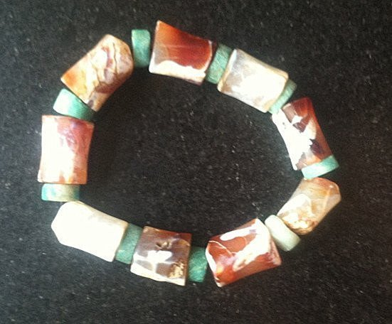 Fine Large Antique Bone Shape Agate Bead Bracelet