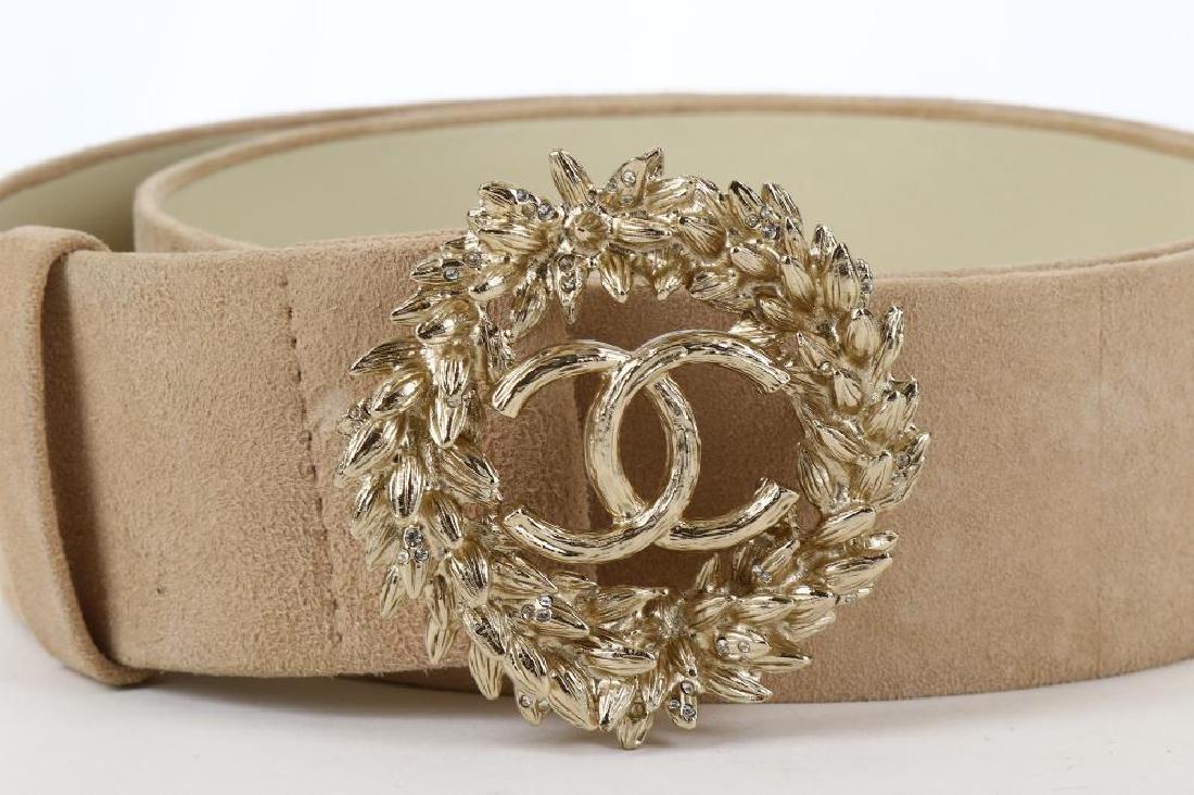 Chanel Suede and Gilt Metal Belt, Spring 2010, beige - 3