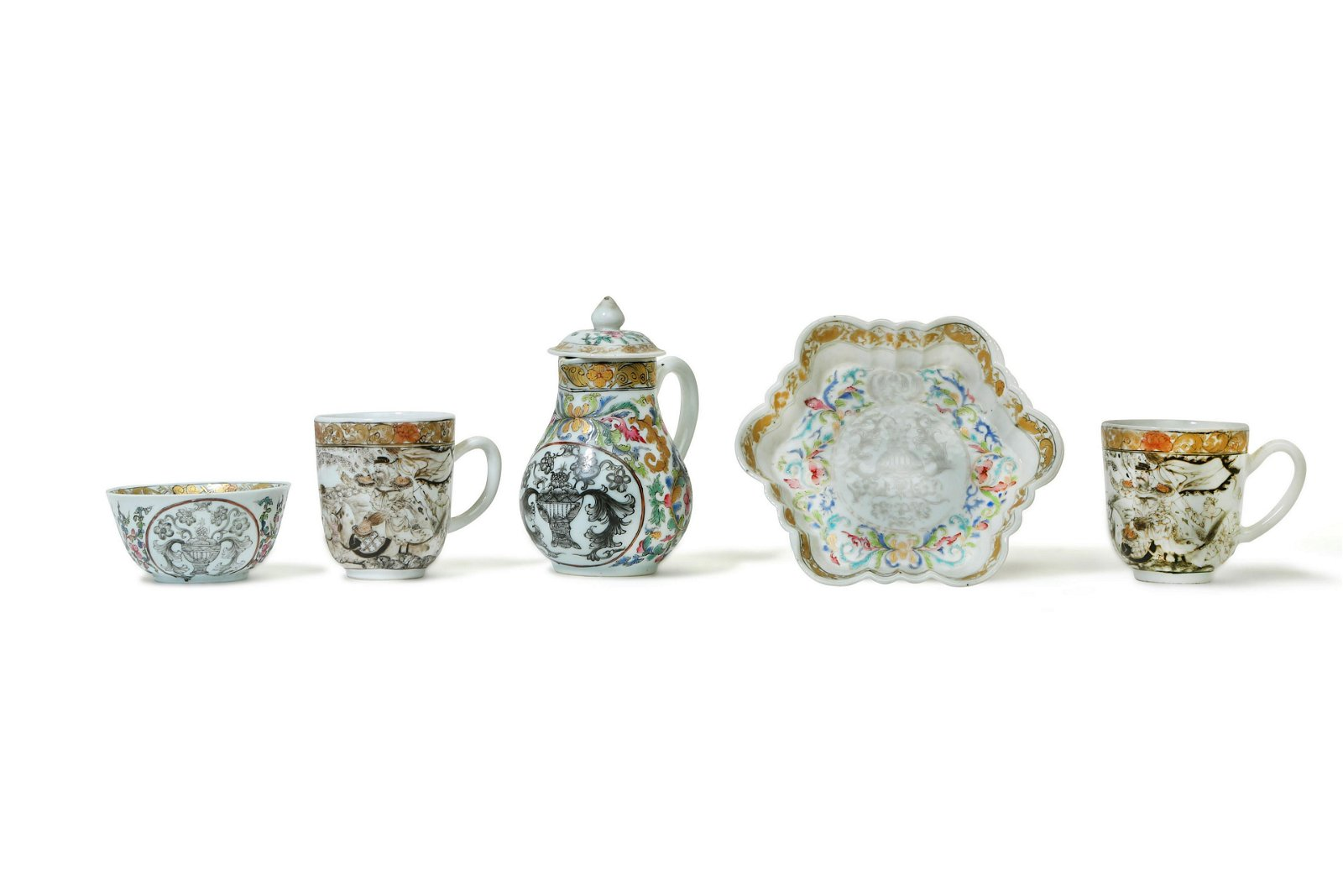 A COLLECTION OF CHINESE EXPORT WARE.