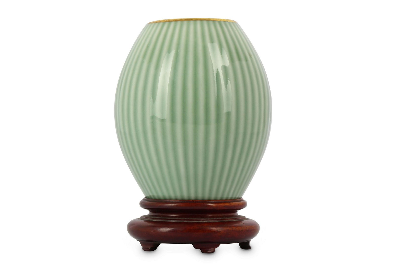 A CHINESE CELADON VASE.