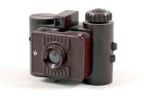 Rare GOMZ Liliput Brown Sub-Miniature Bakelite Camera.