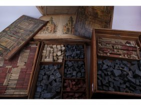 9: Three Victorian wooden boxes of children's building