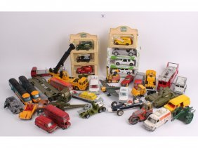 11: A quantity of vintage Dinky cars, vans, army vehicl