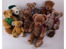 13: Seven modern Teddy bears and a dog including four b
