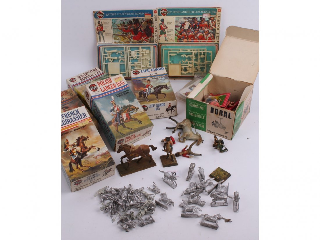 19: A quantity of unpainted lead figures with unused Ai