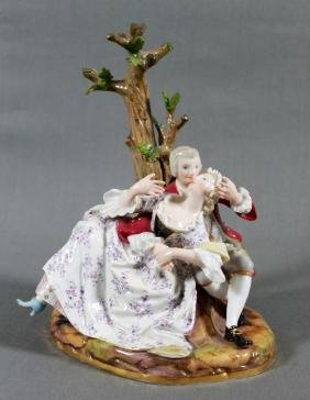 MEISSEN PORCELAIN FIGURAL GROUP DEPICTING LOVERS BEFORE