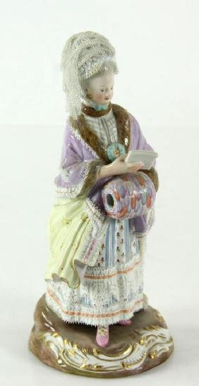 19TH CENTURY MEISSEN PORCELAIN FIGURE OF A WOMAN