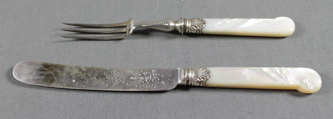 SILVER AND MOTHER OF PEARL FISH SERVICE WITH CASE - 4