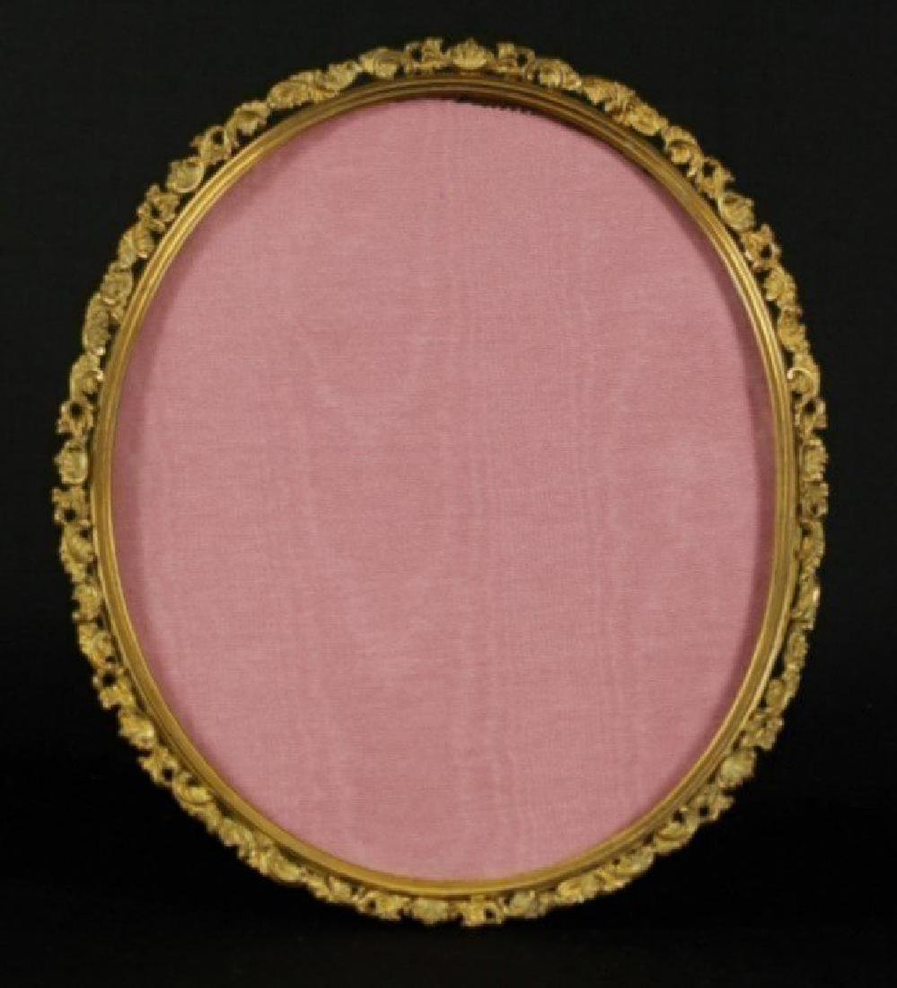 ANTIQUE BRONZE OVAL PICTURE FRAME - 3