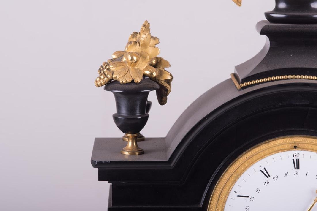 NEOCLASSICAL MARBLE & GILT-METAL MANTEL CLOCK - 5