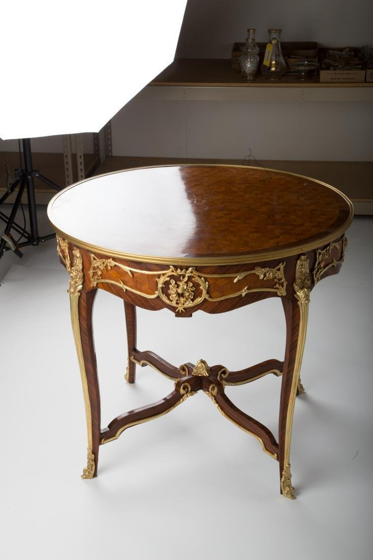 19TH C. LOUIS XV STYLE ROUND GILT-METAL MOUNTED TABLE - 3