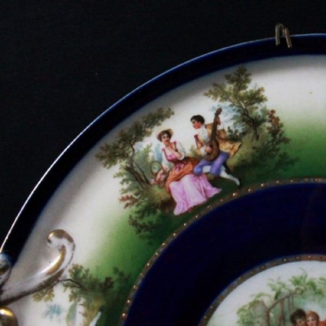 ROYAL VIENNA CHARGER DEPICTING COUPLES COURTING - 3