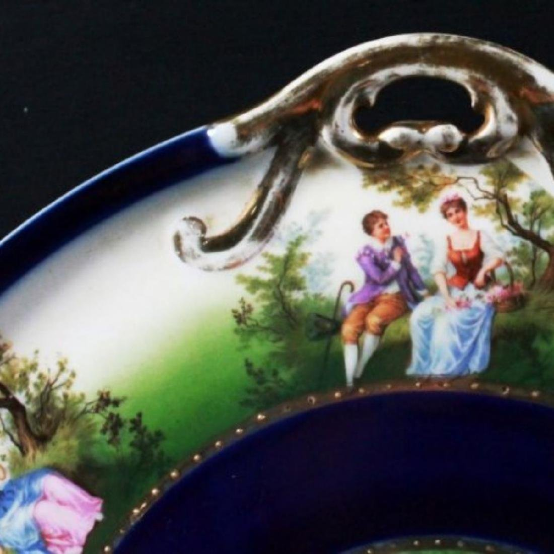 ROYAL VIENNA CHARGER DEPICTING COUPLES COURTING - 4