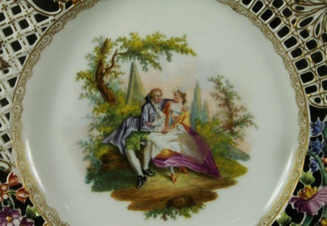 19TH CENTURY RETICULATED FRAMED DRESDEN PLATE - 3