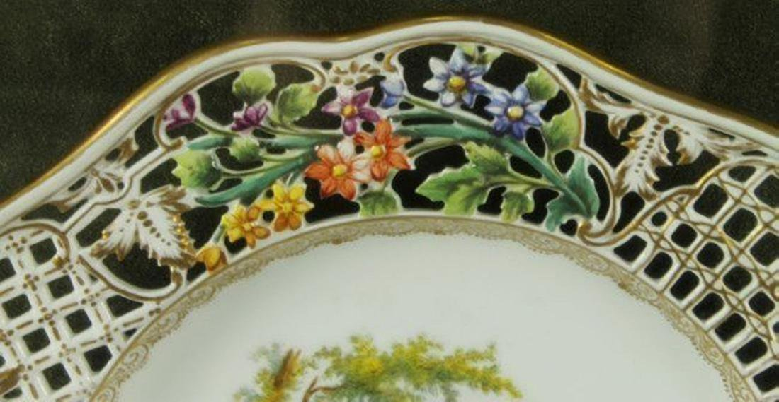 19TH CENTURY RETICULATED FRAMED DRESDEN PLATE - 4