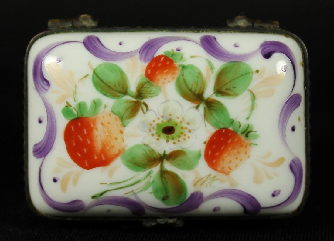 PAIR OF LIMOGES AND PORCELAIN BOXES - 4