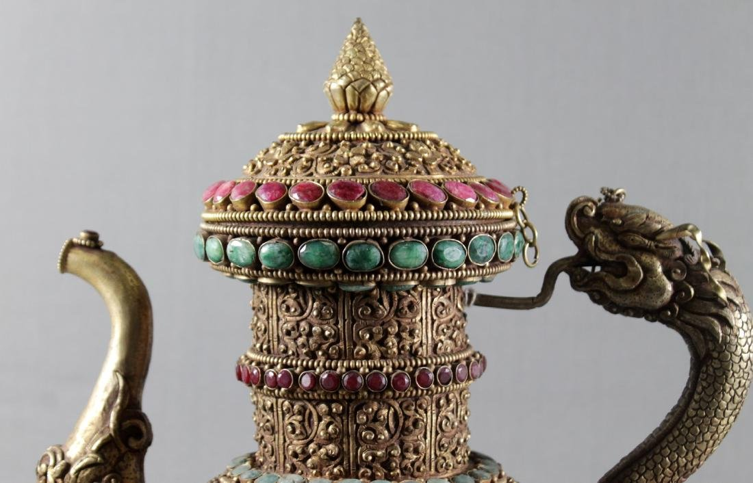 ROCK CRYSTAL TEAPOT ENCRUSTED WITH EMERALDS AND RUBIES - 2