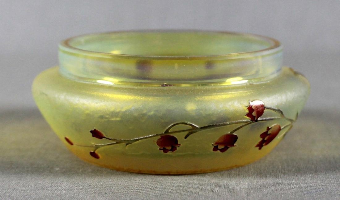 A DAUM NANCY ENAMELED CAMEO GLASS DRESSER BOX