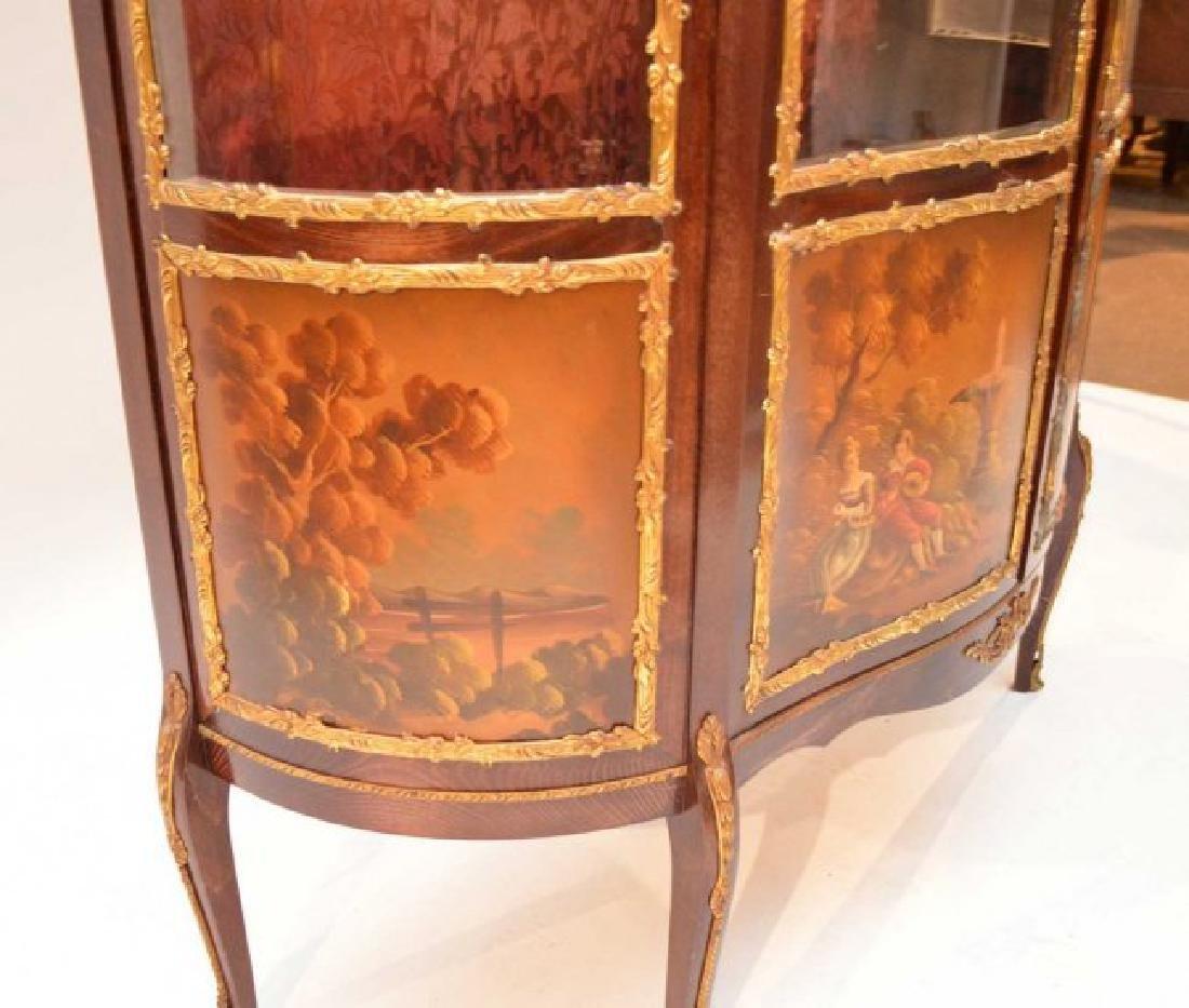 French style Verni Martin vitrine, bowed glass doors - 5