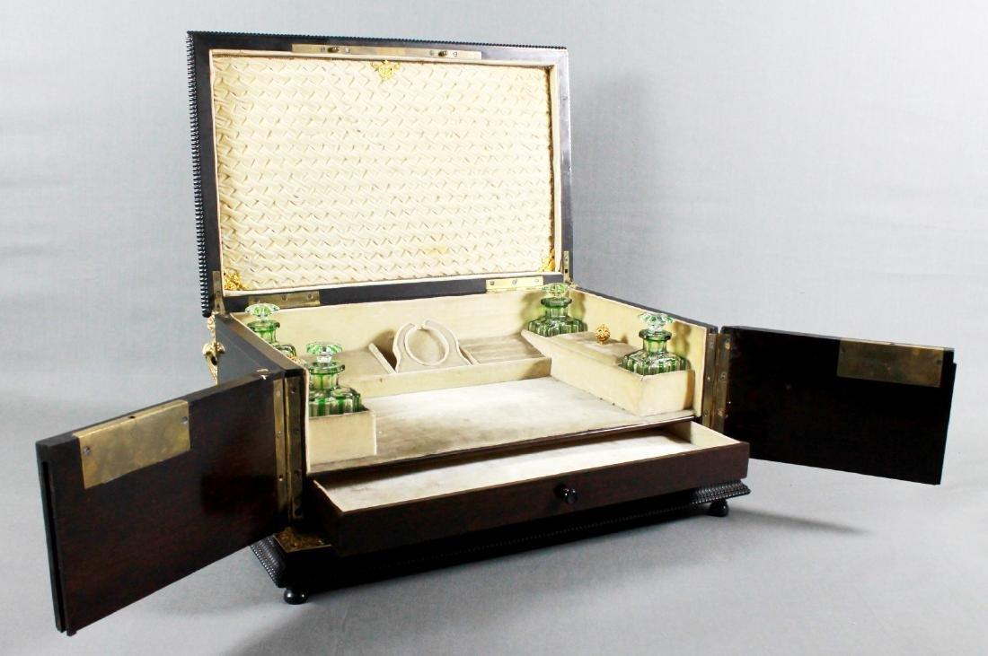 A Napoleon III Lacquered Wood Vanity Box with Gilt - 2