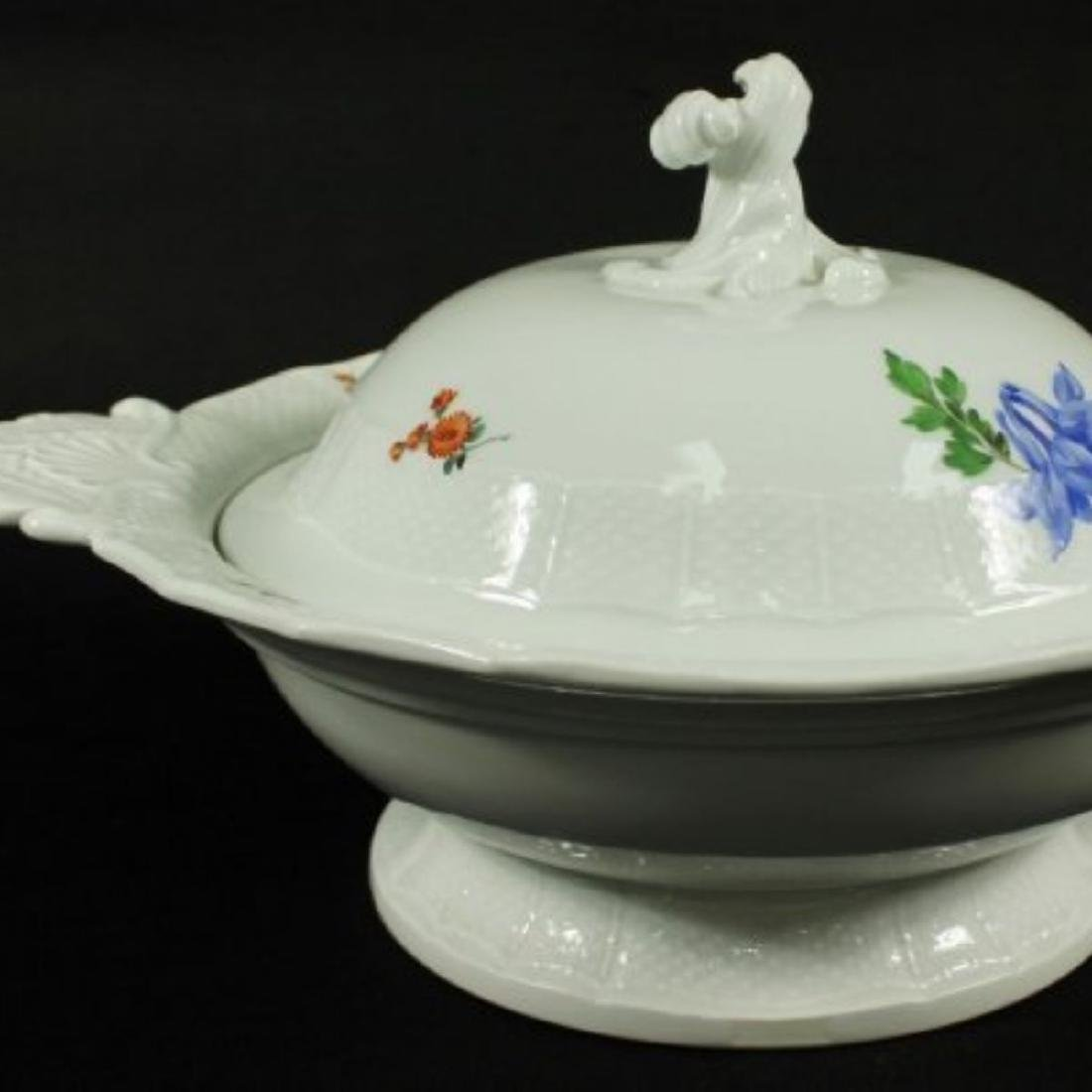 19TH C. MEISSEN BOWL W/ COVER