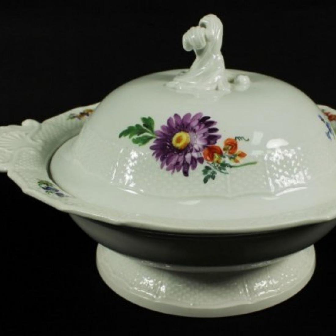 19TH C, MEISSEN BOWL WITH COVER